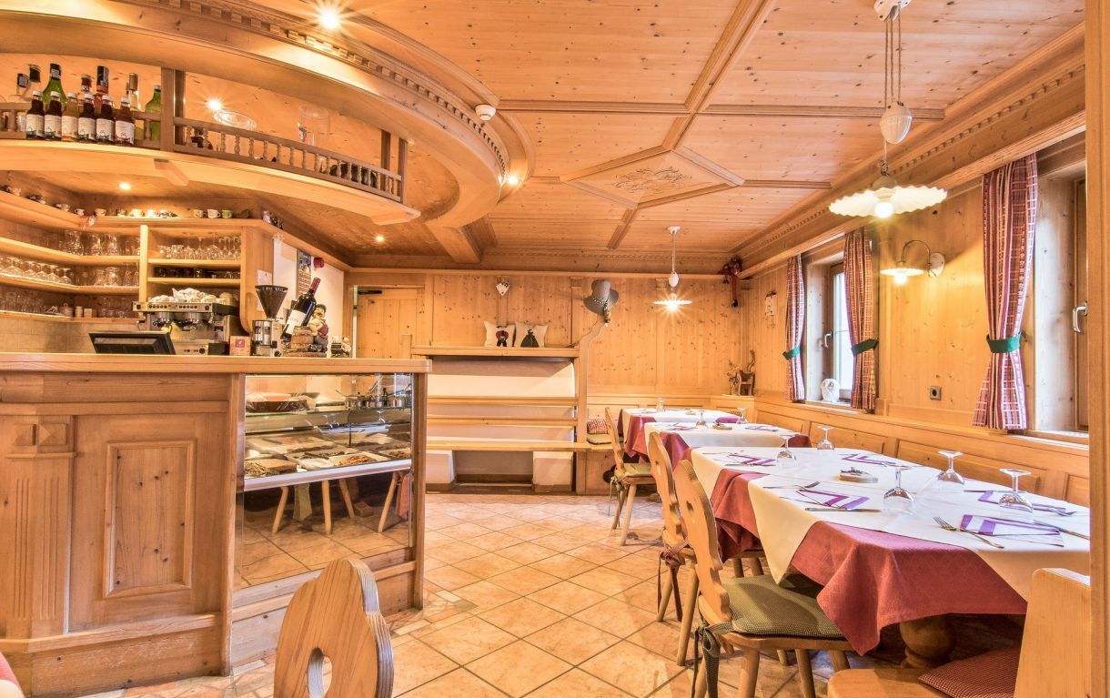 Image: Restaurant L'Sciadá at Colfosco in Alta Badia